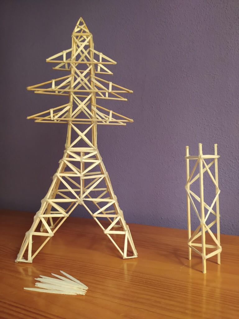 estructura triangulada torre electricidad