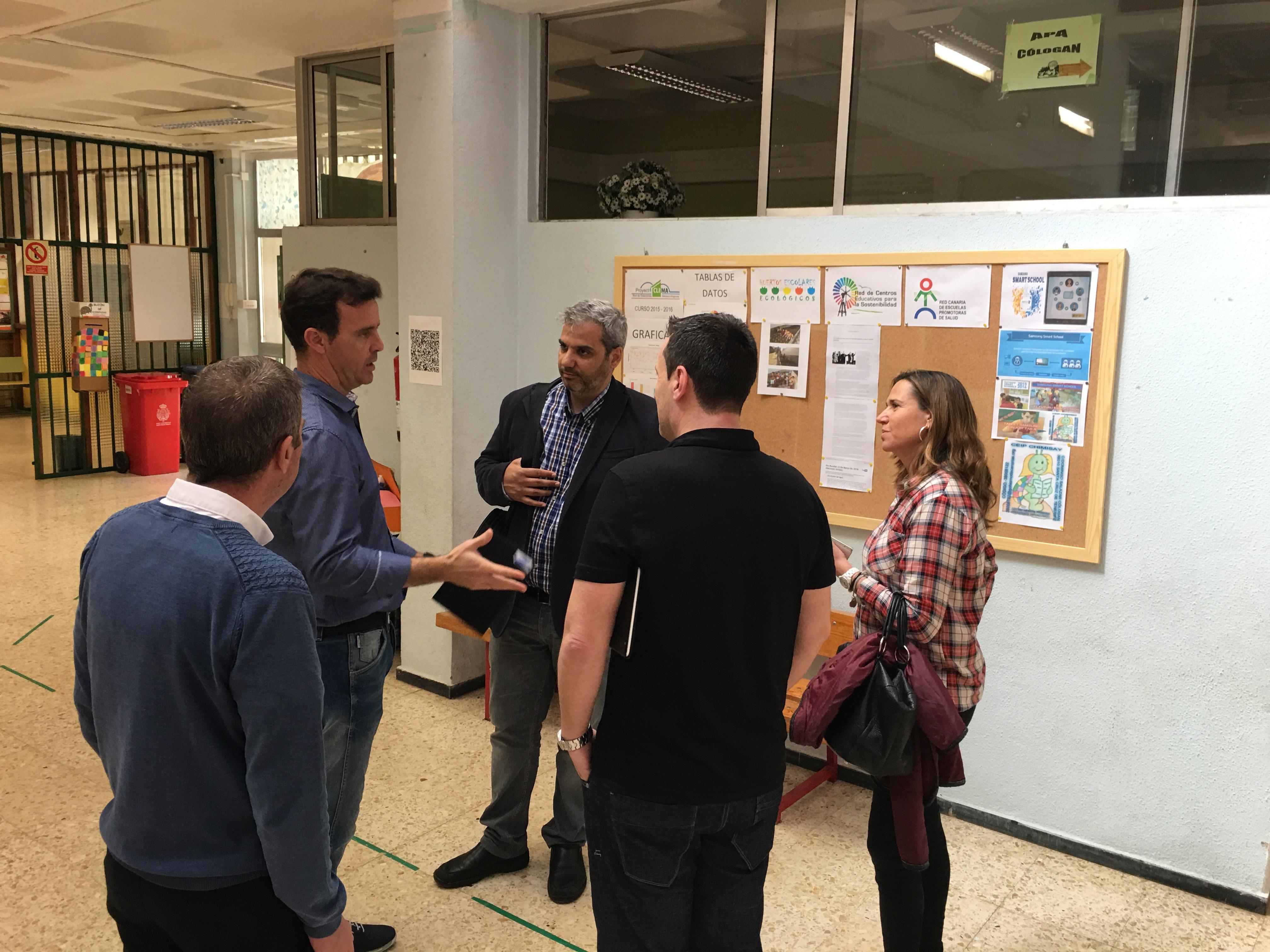 Visita de los representantes del Proyecto Samsung Smart School al CEO Luján Pérez y al CEIP Chimisay
