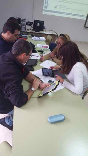 Observatorio TIC: Experiencia de formación e intercambio entre iguales para la innovación metodológica usando TIC