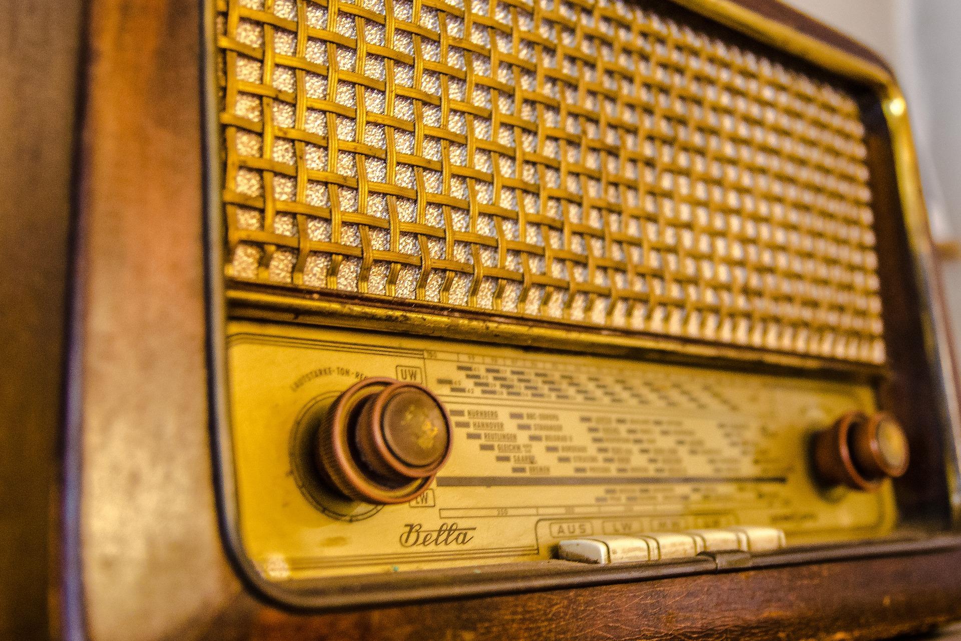 Publicación de los centros admitidos en el desarrollo de proyectos de radio escolar para la mejora de la competencia en comunicación lingüística durante los cursos escolares 2018-2020.