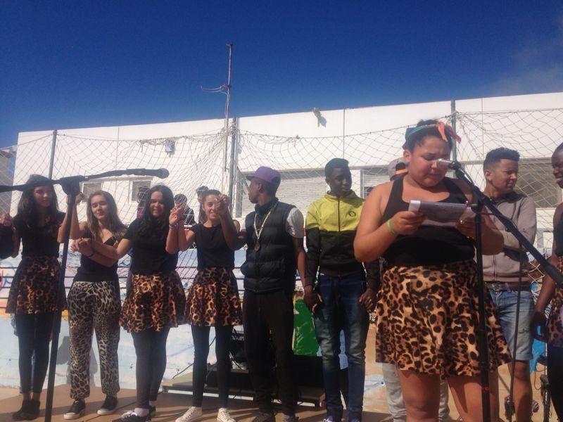 Actuación del alumnado en la Celebración del Día de la Paz.