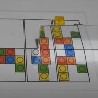 Simetría con policubos