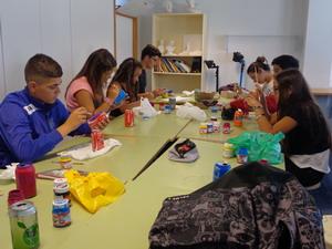 Alumnado de 3º de la ESO en el aula de Expresión Plástica y Visual.