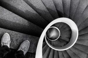Bajar la escalera evita el ¡BOOM!