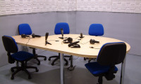 Ante el micrófono de radio
