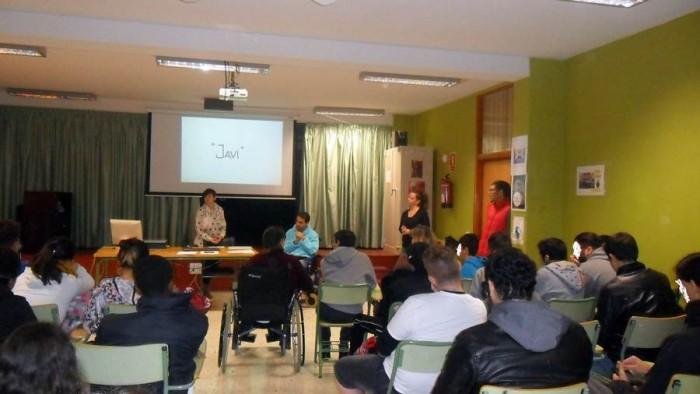 Javier-Rosquete-contó-ayer-su-experiencia-a-los-alumnos-del-IES-El-Sobradillo-700x394