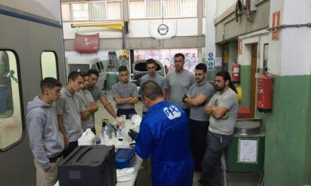 Demostración sobre aplicación de esmaltes y barnices para vehículos