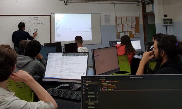Charla de «Cometa» al alumnado del ciclo de «Desarrollo de Aplicaciones Web»