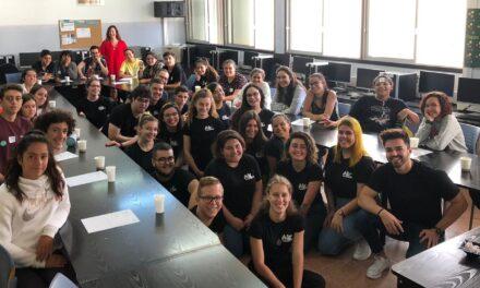 Alumnado de turismo enseña arquitectura renacentista