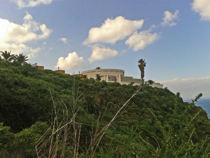 Cementerio y barranco