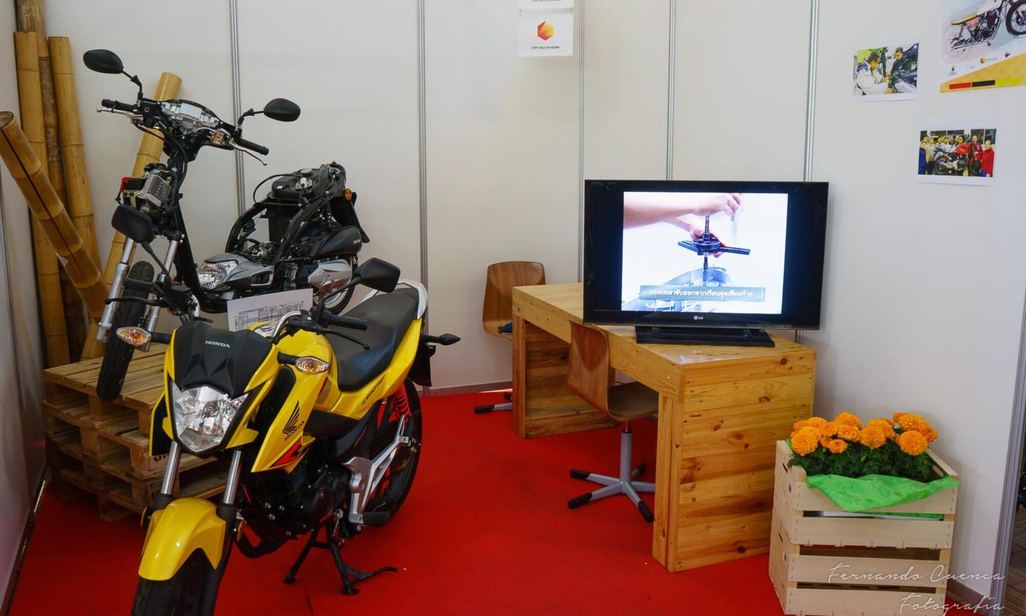 Taller de innovación de Motocicletas. CIFP Cruz de Piedra