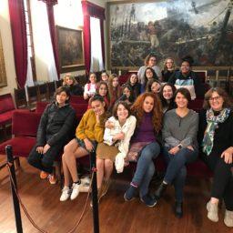Nos visita alumnado de un taller de Lengua de Signos del IES Tomás de Iriarte