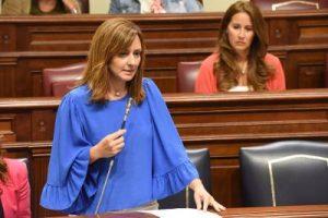 Nieves Lady Barreto en el Parlamento