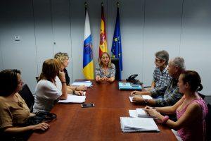 Reunión de la directora del Icavi y representantes de los vecinos de El Caracol