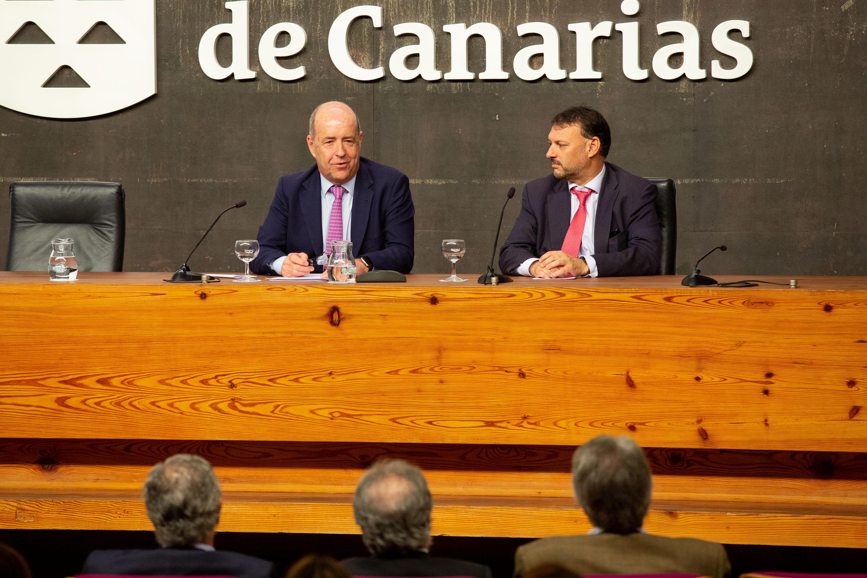 Inauguración del ' Encuentro sobre el nuevo Estatuto de Autonomía'