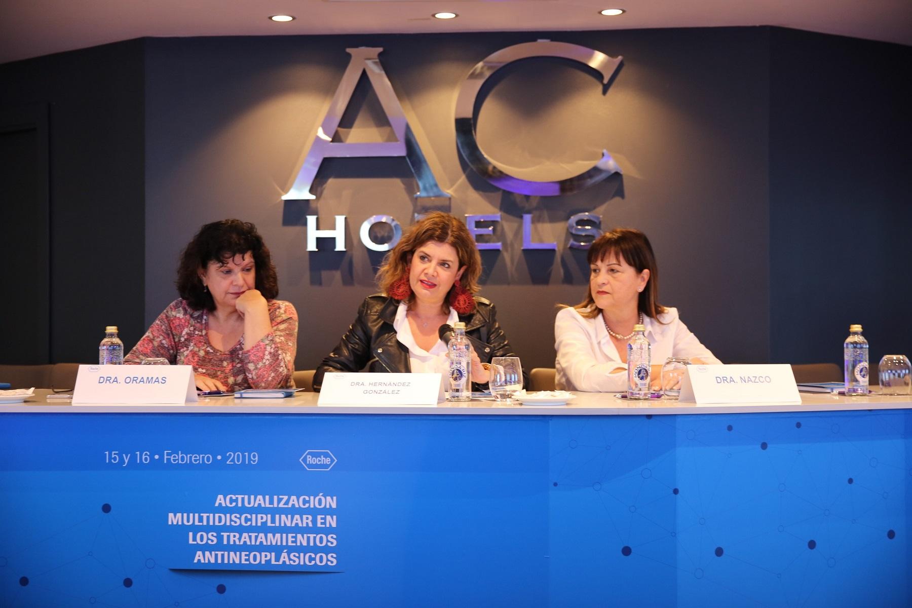 Elisabeth Hernández, durante las Jornadas sobre tratamiento antineoplásico.