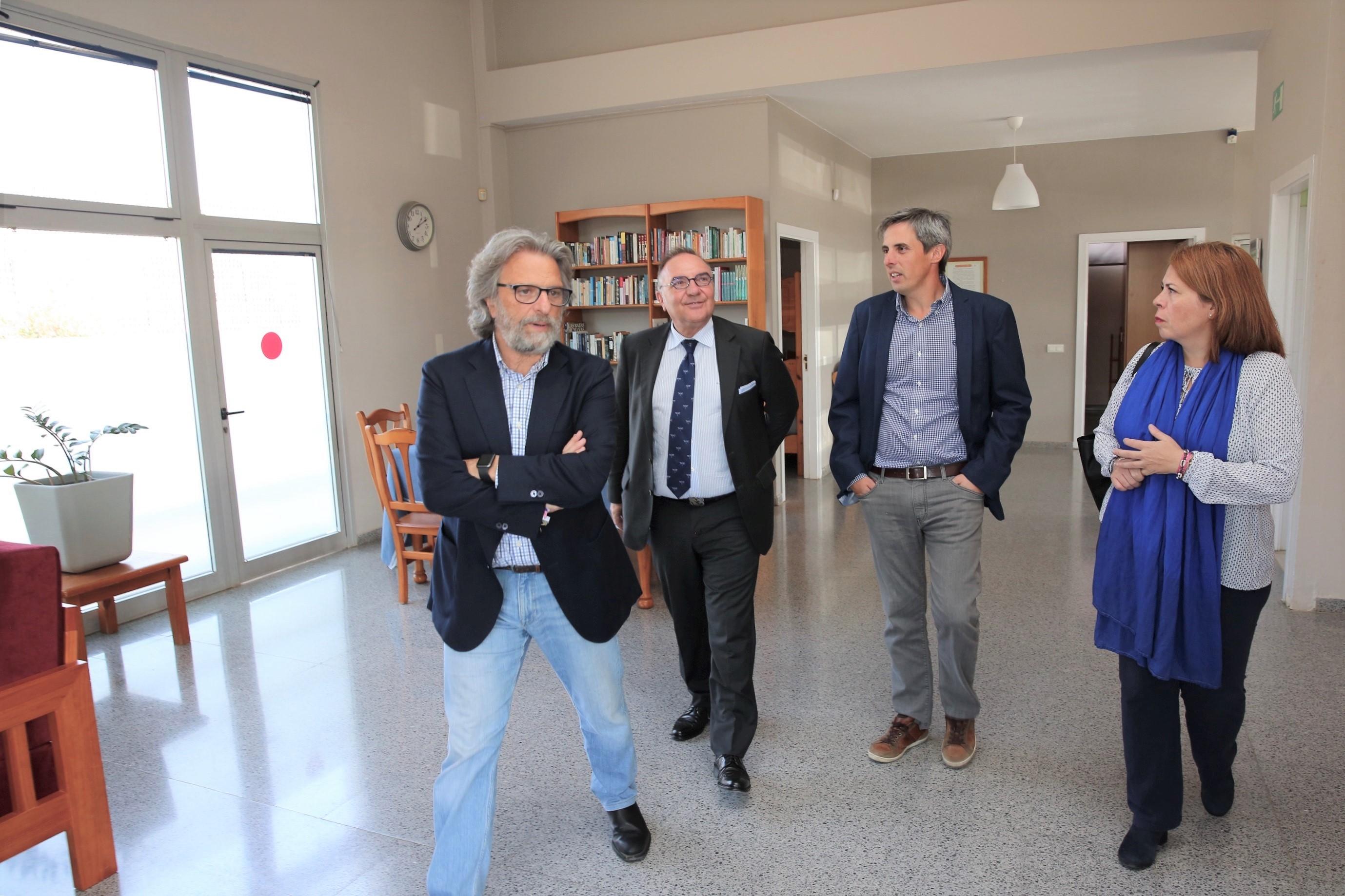 Baltar visita sede Yrichen