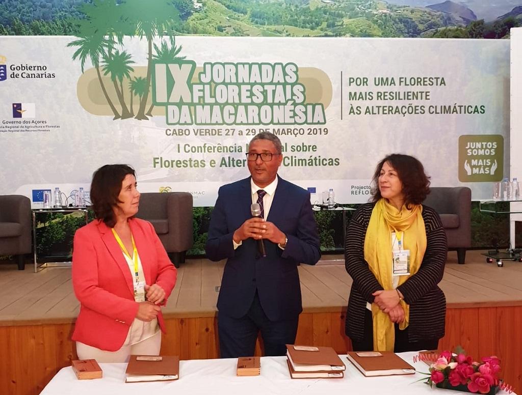 Blanca Pérez junto a otros ponentes en las Jornadas Forestales de la Macaronesia
