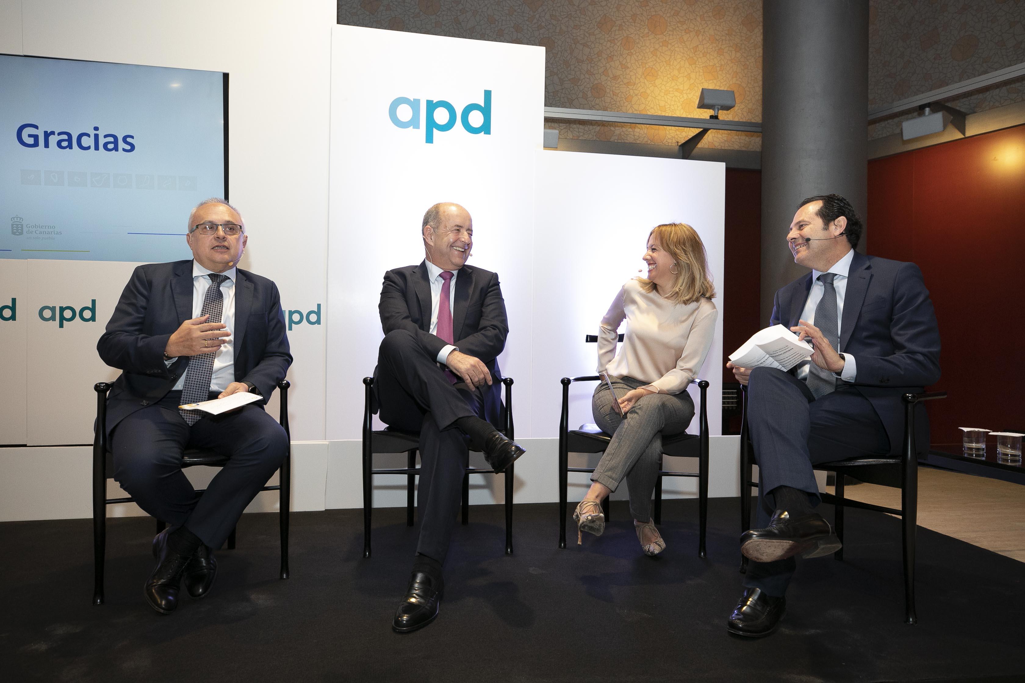 Pedro Ortega y Rosa Dávila en el debate de la APD sobre el nuevo REF.