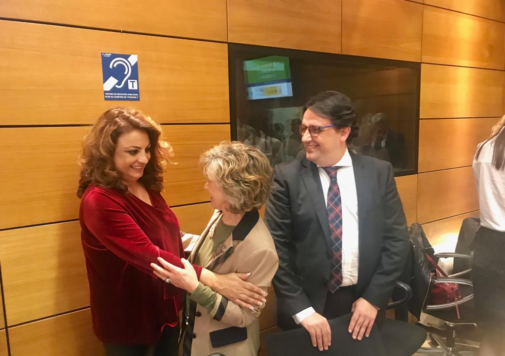 Cristina Valido con la ministra de Sanidad, María Luisa Carcedo
