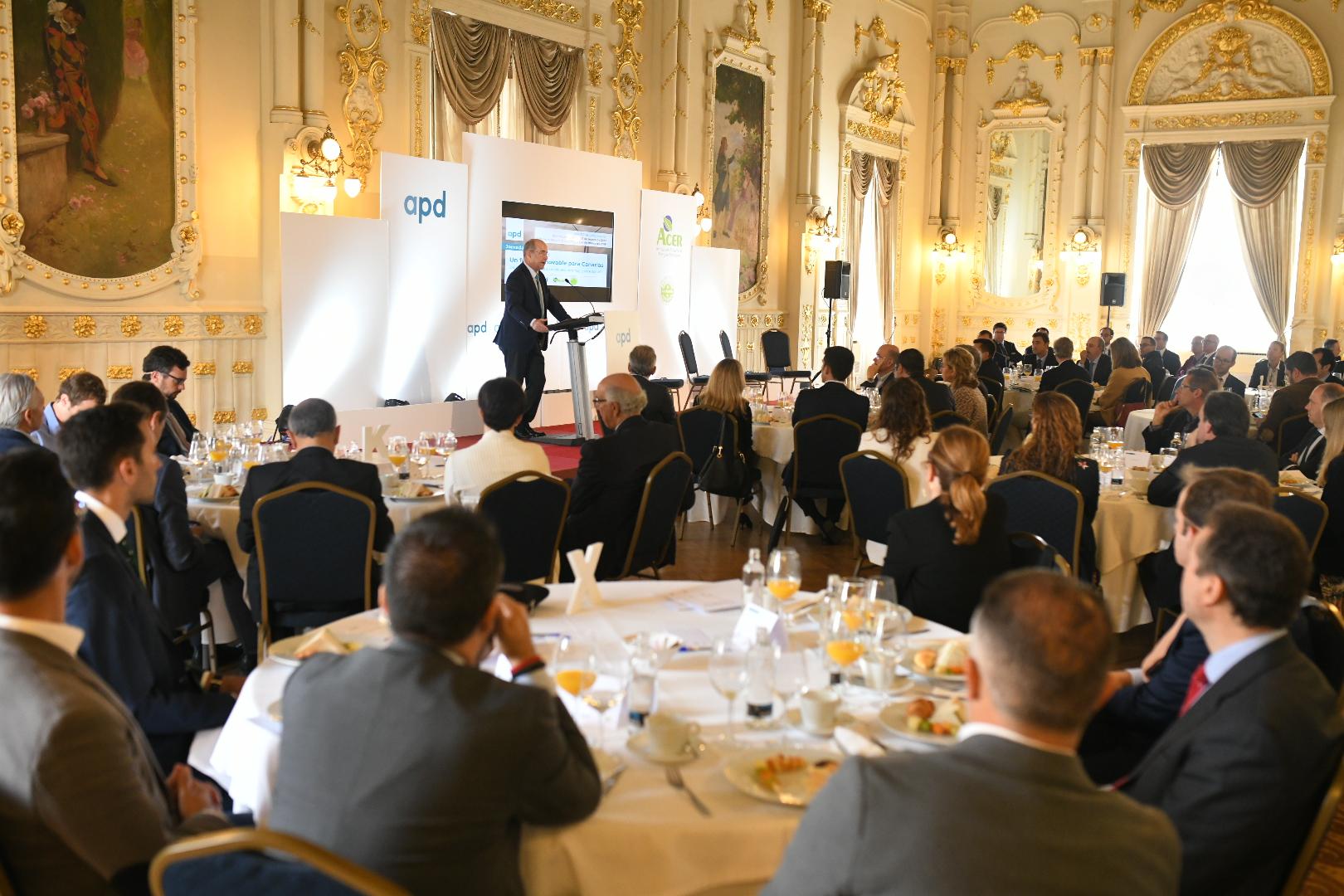 Pedro Ortega durante su intervención en el foro 'Un futuro renovable para Canarias'