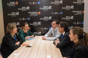 Equipo de Canarias con los responsables del turoperador TUI