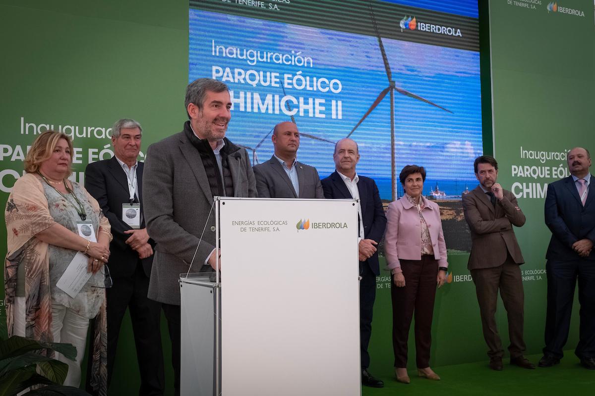 Fernando Clavijo en la inauguración del parque eólico de Chimiche II.