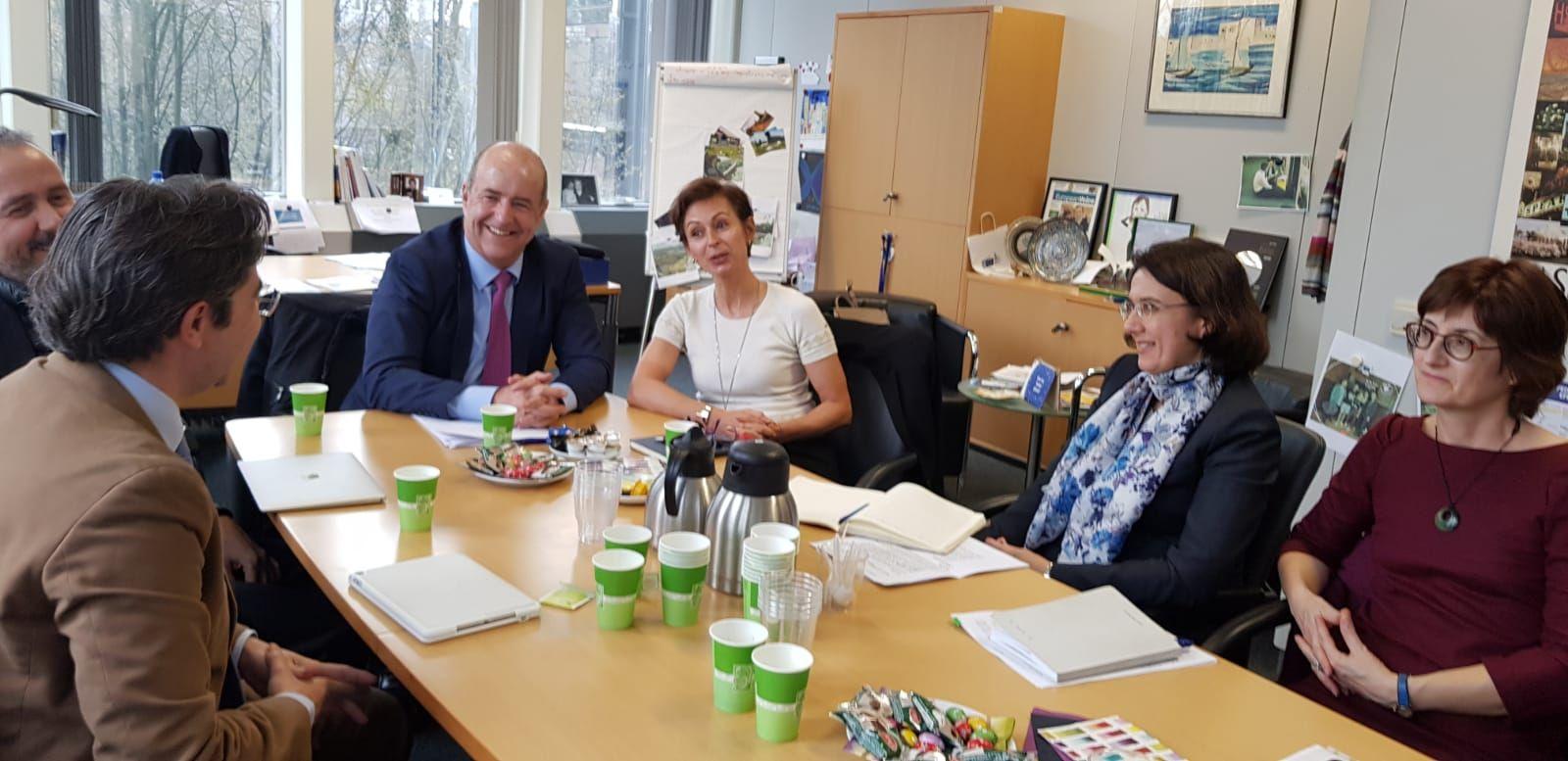Reunión en Bruselas con la responsable de Política Regional de la UE, Dana Spinat,