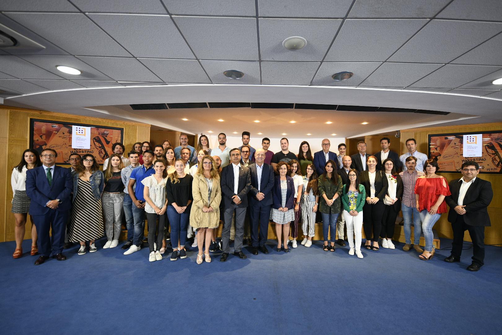 Foto de familia de los alumnos de 2018.