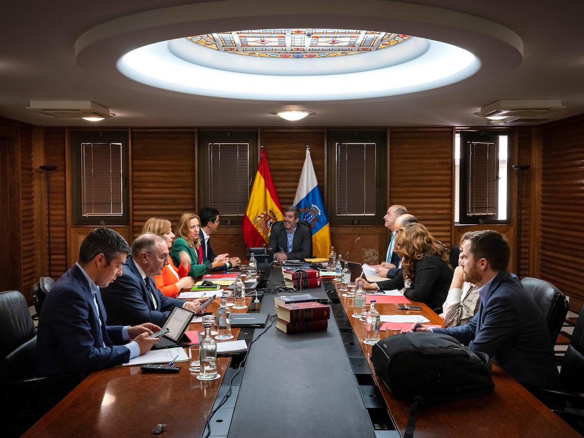 Fernando Clavijo preside la reunión del Consejo de Gobierno.