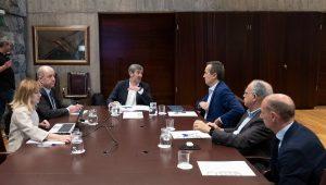 Reunión con los portavoces de los grupos parlamentarios