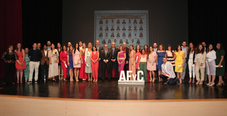 Baltar con los homenajeados de AP
