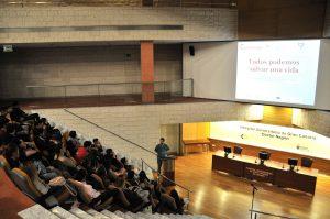 Momento de la charla celebrada en el Hospital Dr. Negrín