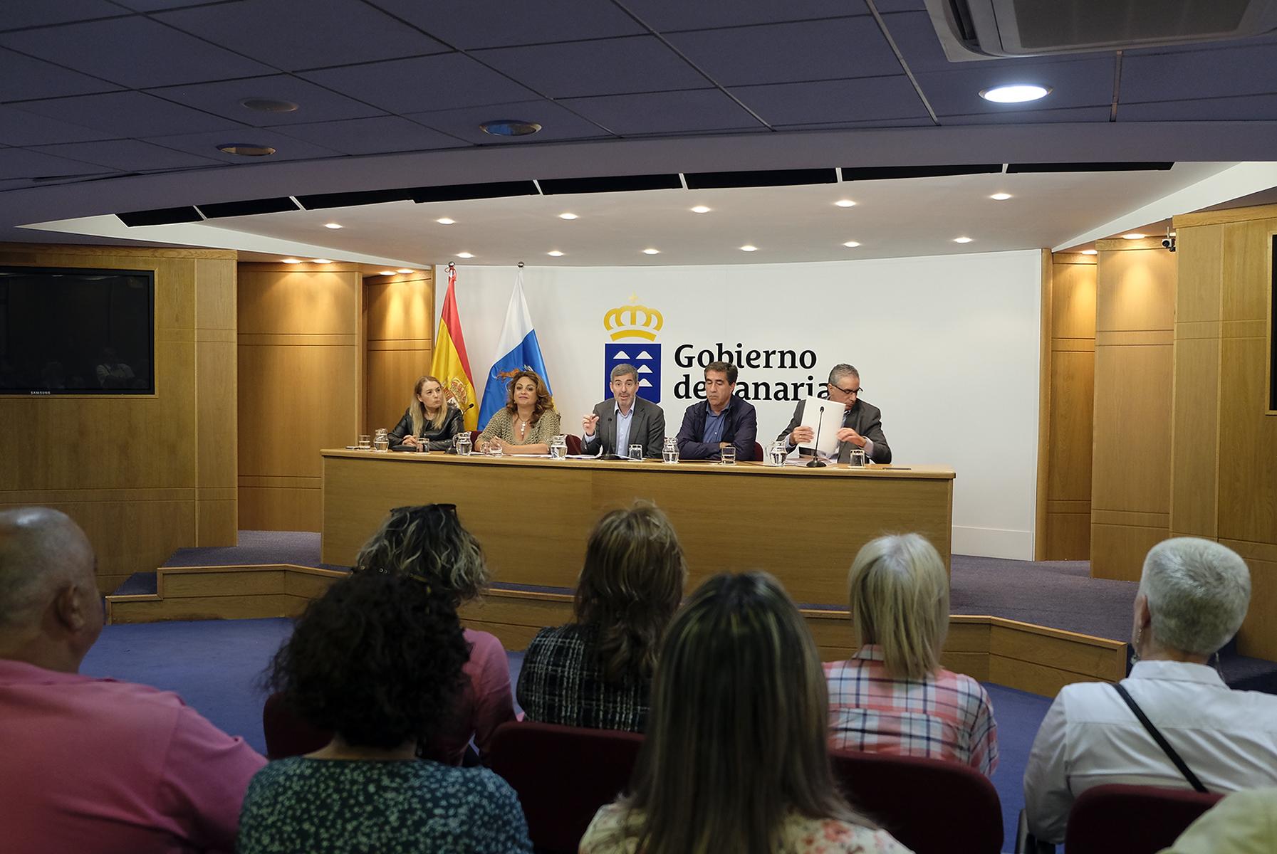 Reunión con inquilinos del parque público de Gran Canaria