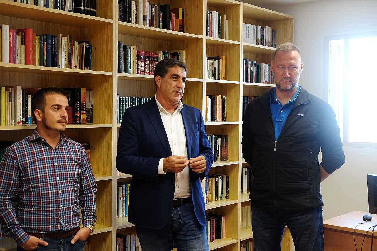 Francisco Candil asistió hoy a la charla de Pedro García Aguado