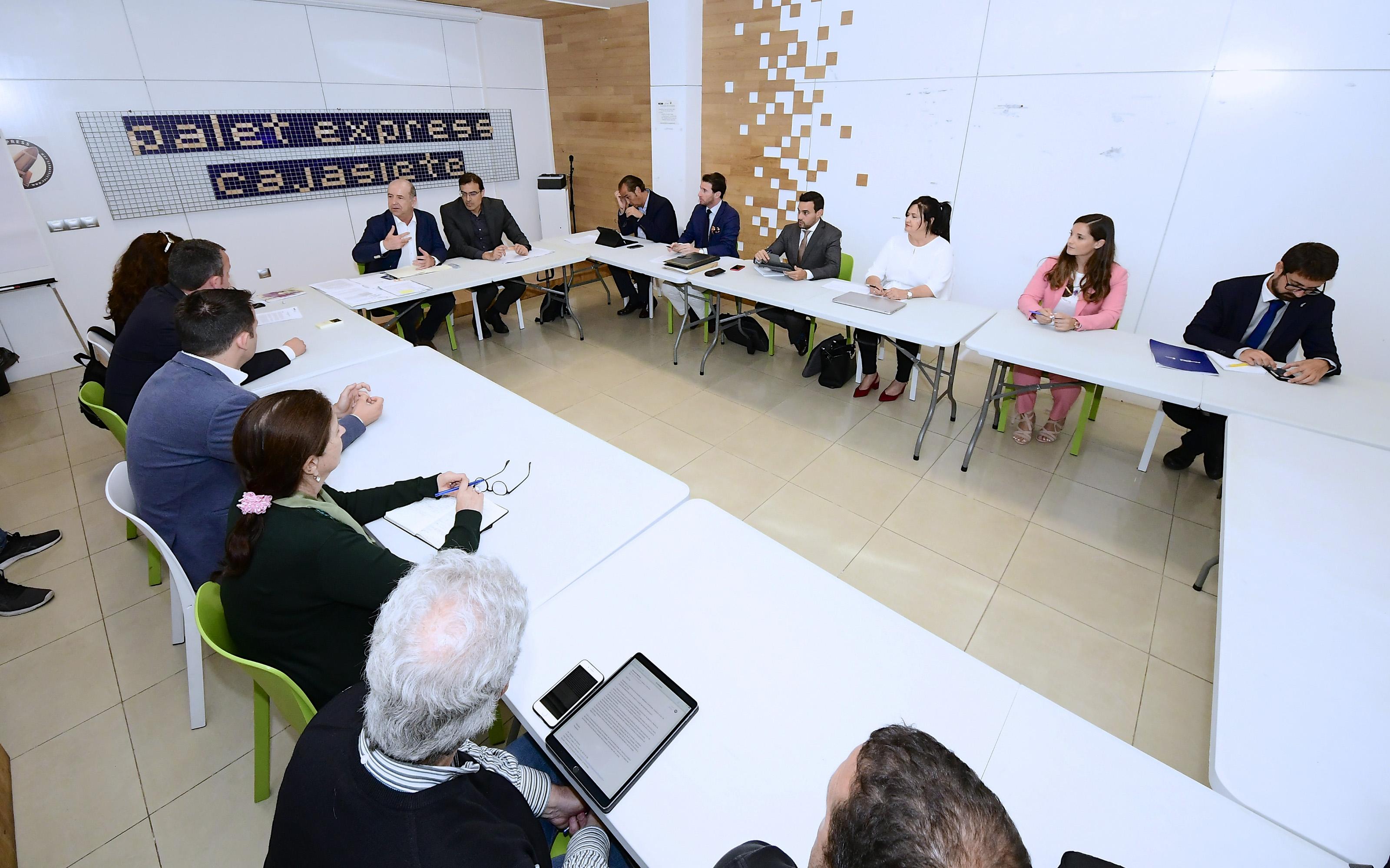 Reunión de Pedro Ortega con empresas de consultoría, ingeniería y arquitectura de Canarias que han trabajado en África y América.