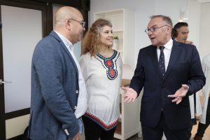 El consejero de Sanidad, José Manuel Baltar, visita las nuevas instalaciones.