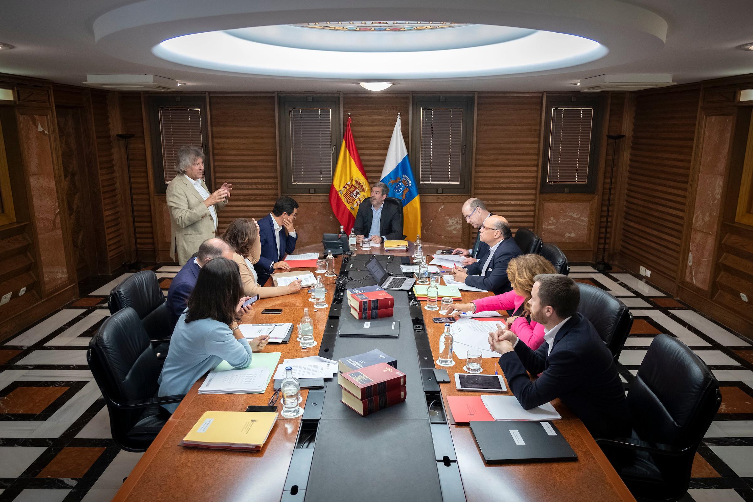 Sanidad destinará este año 24.950.000 euros a la renovación de equipamiento tecnológico