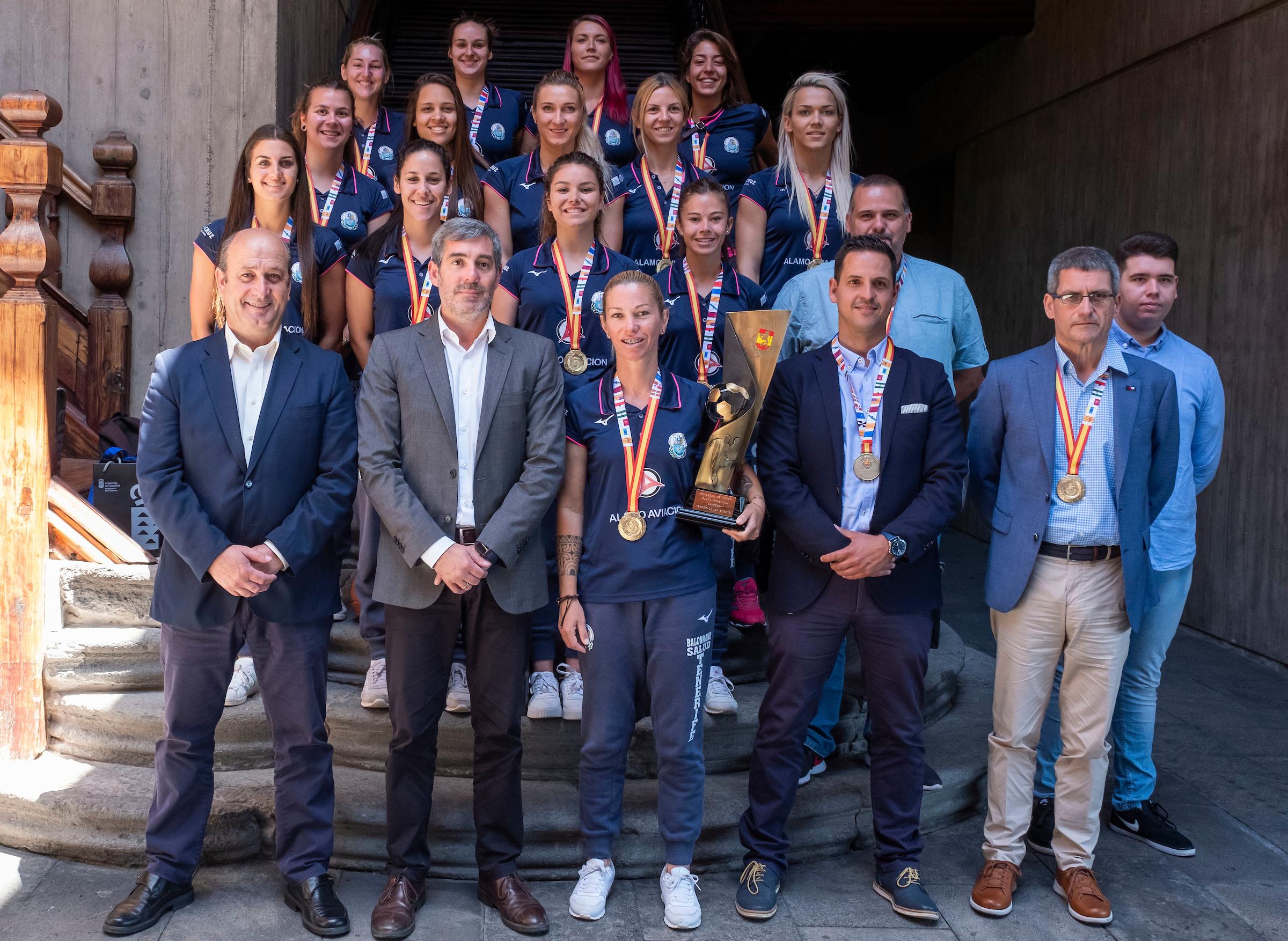 Recepción a las jugadoras del Balonmano Salud Tenerife