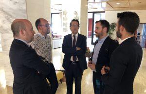 Isaac Castellano y Cristóbal de la Rosa junto al presidente de NECSTouR.
