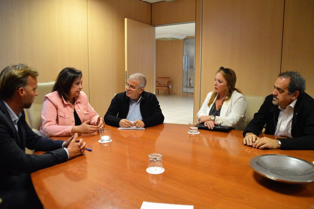 Soledad Monzón y Ciro Gutiérrez, junto a los vicerrectores de estudiantes de la ULPGC y la ULL