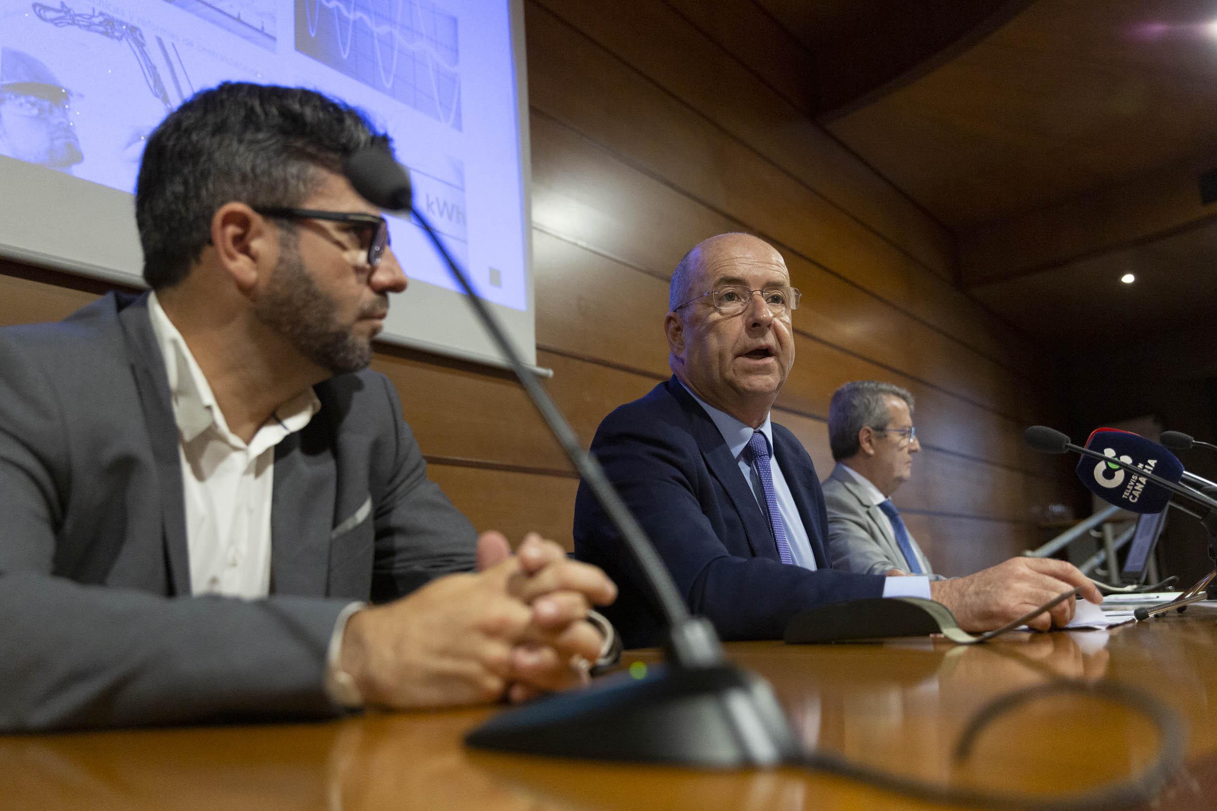 Pedro Ortega en la presentación de la nueva APP del Manual de Usuario Eléctrico.