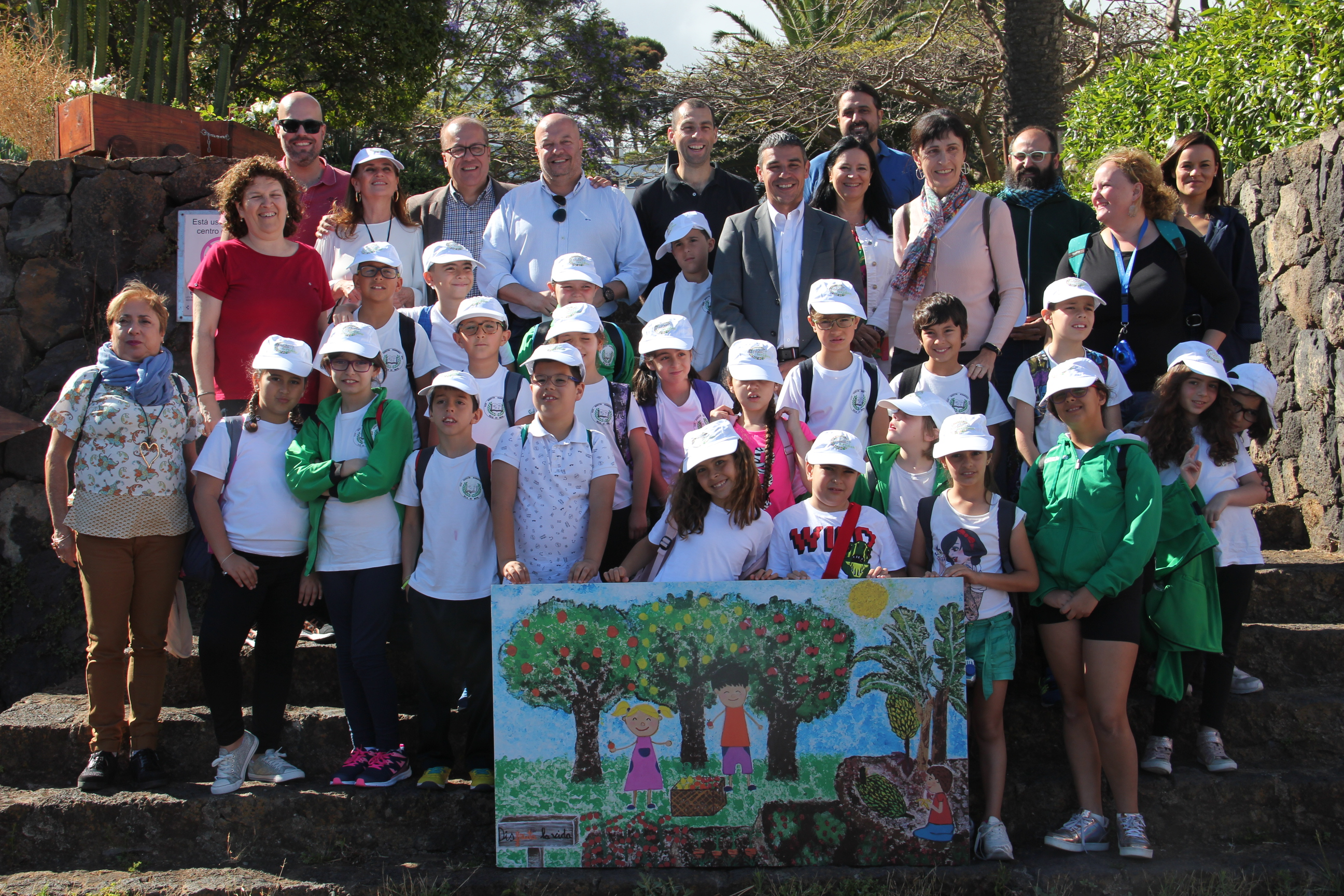 El CEIP Agustín Hernández Díaz, ganador del Concurso de Carteles del Plan de Frutas, visita la ECA de Tacoronte