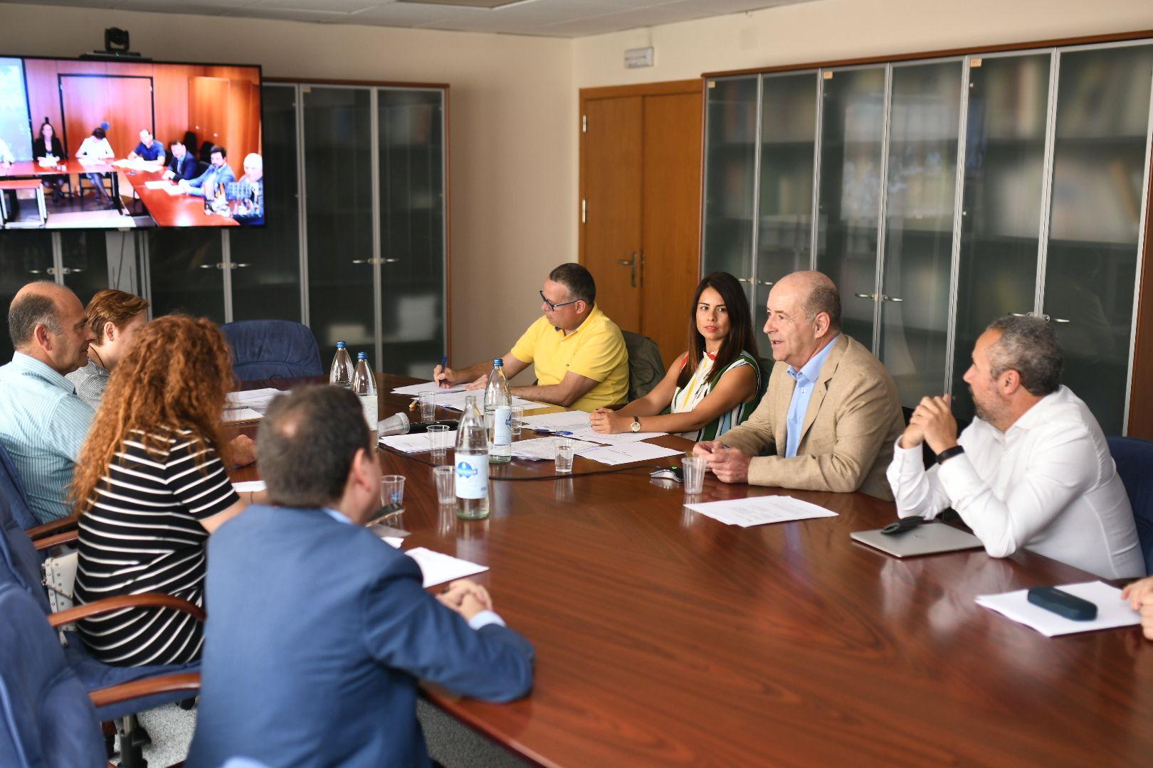 Reunión de la última Comisión de Seguimiento del REA de la legislatura.