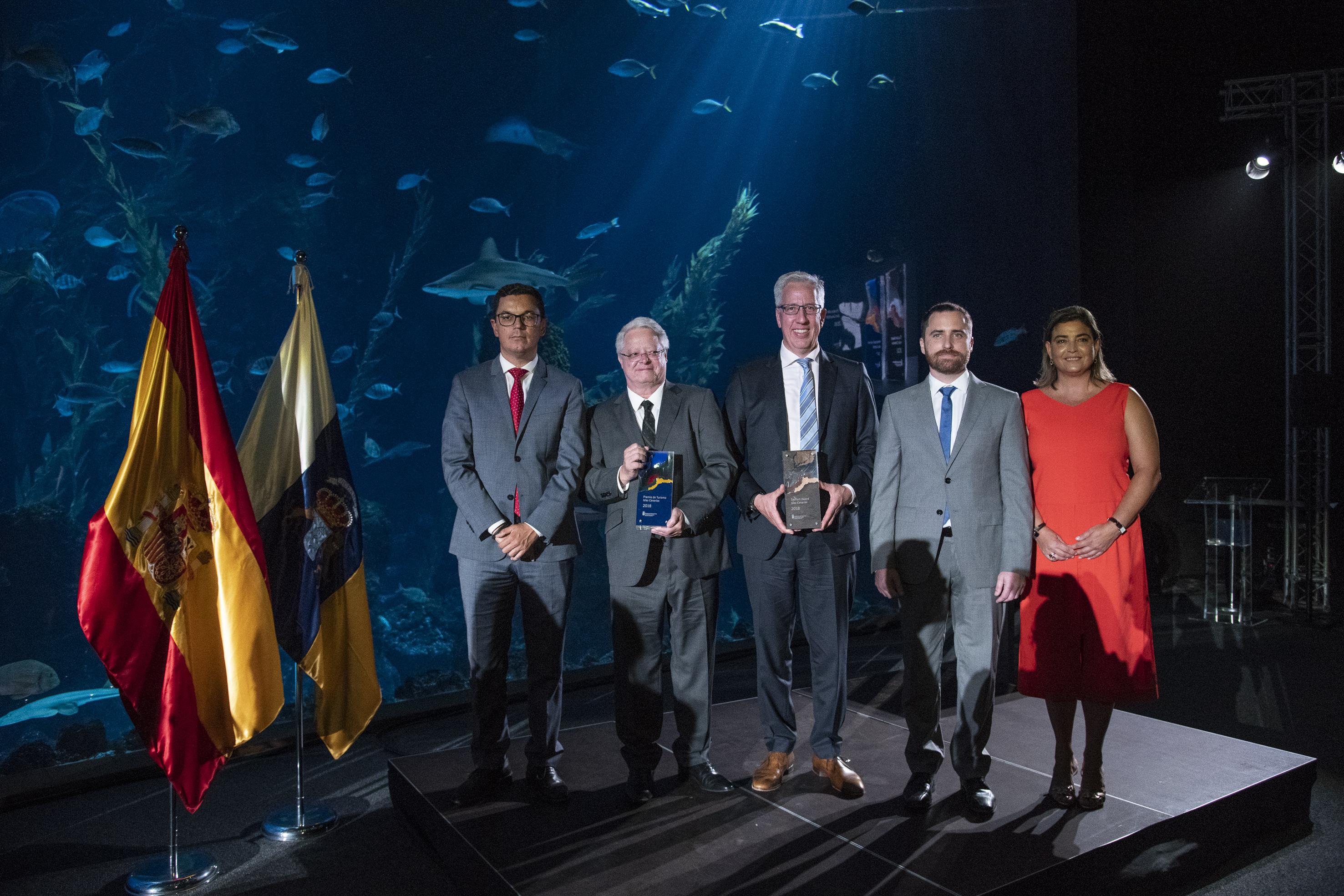 El trofeo de los Premios de Turismo Islas Canarias, finalista de los galardones Canarias de Diseño 2019