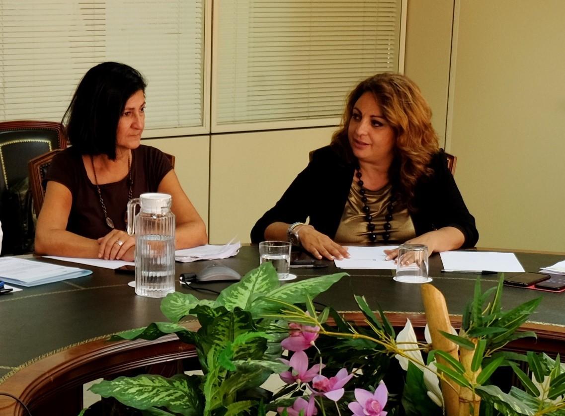 La consejera Cristina Valido y la directora general de Dependencia y Discapacidad, Eulalia