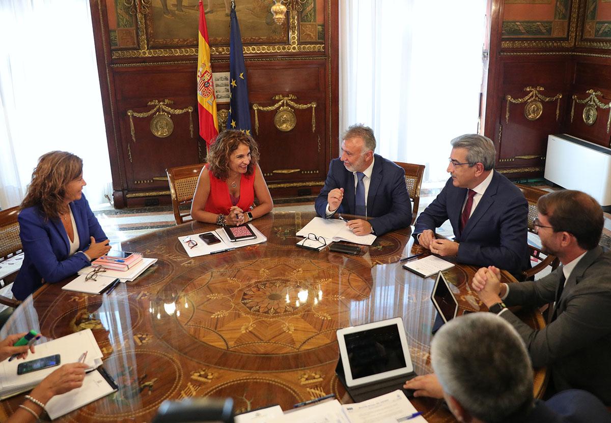 Reunión con el ministerio de Hacienda