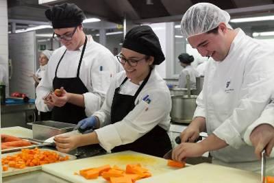 Los estudiantes han recibido formación en los distintos módulos de técnicas de cocina y hostelería.
