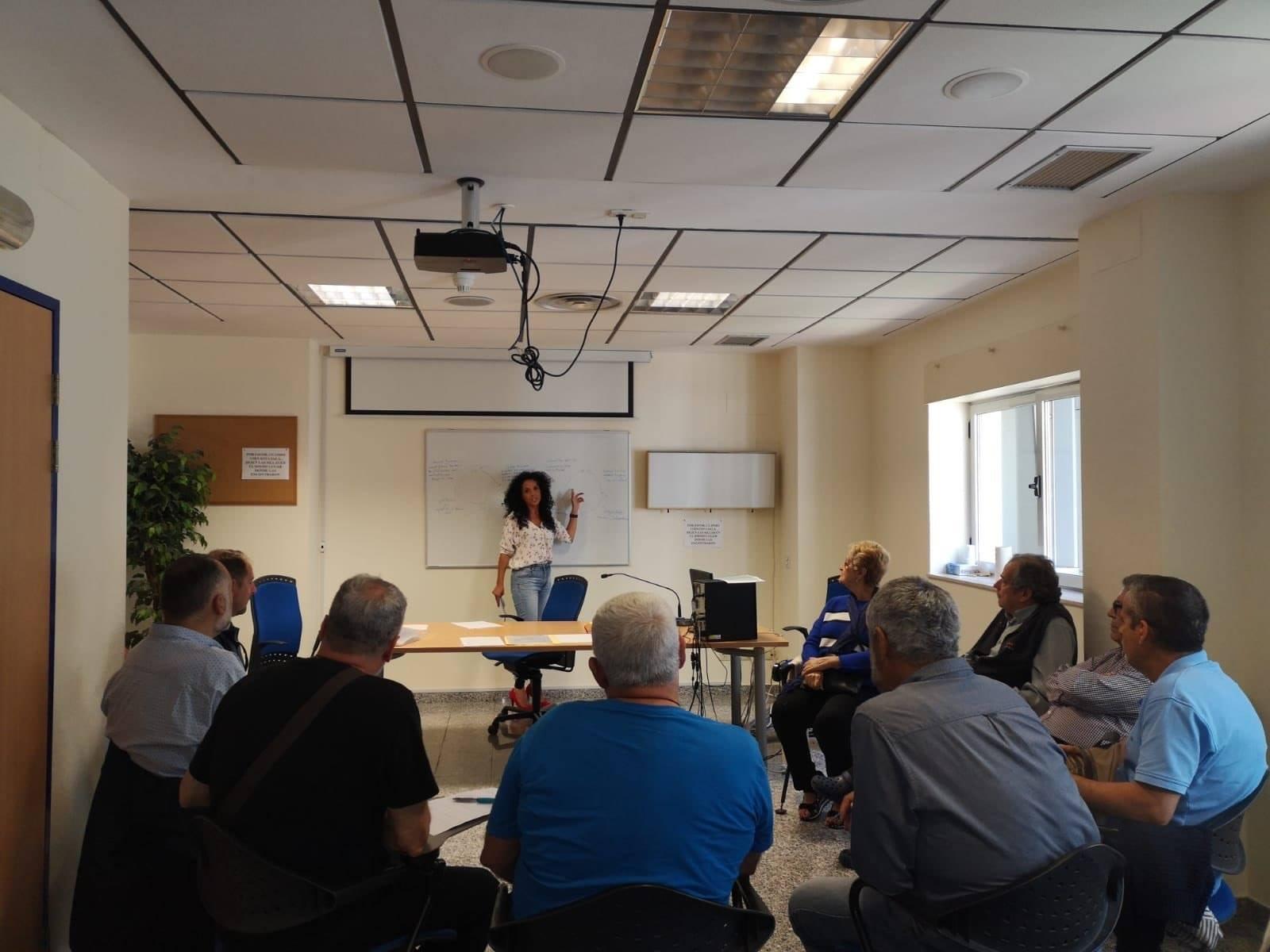 Momento de una sesión de la Escuela de Pacientes en el Hospital de La Candelaria