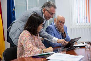 Darias, Megías y Moya, durante la reunión.